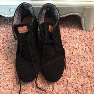 TOMS black wedges size 10